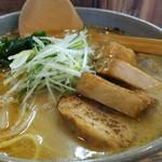麺家竜馬 - 料理写真:味噌チャーシュー麺。