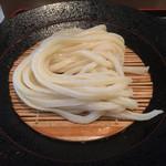 もり - 綺麗な角あり麺ですな