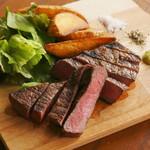29+831=860 HELLO 肉バル ハロー - 料理写真:赤身メインのステーキ各種!!!!