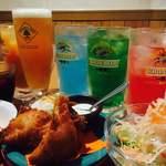 名物チキンとピザの店 ロケットキッチン - ドリンク写真:ロケットチキンはお酒にとても合います!