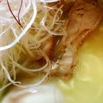 麺酒処 ぶらり - 鶏白湯らーめん アップ