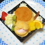 シャトレーゼ - 料理写真:プリンアラモード