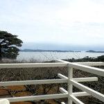 カフェ ロワン - 店内から見える松の島々