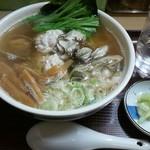 61131342 - カキとタチの冬ラーメン(魚醤あっさり太麺)は1240円なのです