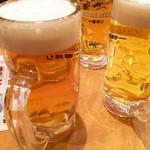61136922 - 乾杯のビール