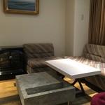カフェ グリシンヌ - 個室 ソファ席でゆっくりくつろげます。