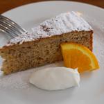 イゾラ ブル - 紅茶のケーキ