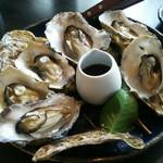 あじ蔵 カロカロ - 焼き牡蠣