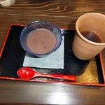 八代目伍兵衛 - ぜんざいとお茶