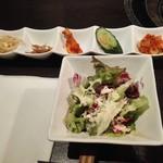 梨の家 - 前菜五点盛りとサラダ