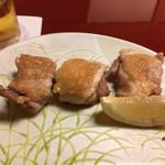 鳥茶屋 - 焼き鳥はジューシーで美味しい