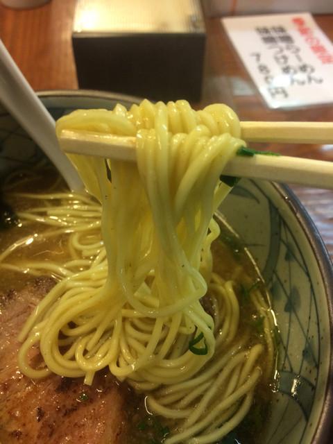 あづま家 - 魚粉が香る食べやすいラーメン!