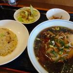 マルナカ中国麺飯食堂