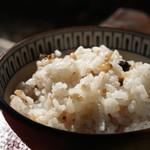 ごはんや楓屋 - 自家ブレンドの十穀玄米ご飯、炊き加減も素晴らしいです♪(2017.1.12)