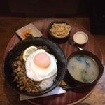 どんぶりcafe Bejana - 料理写真:ガパオ丼セット(ドリンク付
