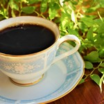 Cafe Tristan  - 珈琲は、一杯一杯ハンドドリップにて抽出。10種類の豆から好みの物をご注文ください。