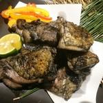 九兵衛 三田・田町店 - 熟成鶏の炭炙り焼き
