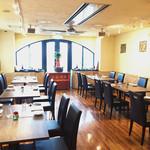 レストランパトリー - ランチは明るくカジュアルに。