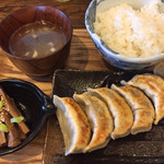 肉汁餃子製作所ダンダダン酒場 - 肉汁餃子ライス680円