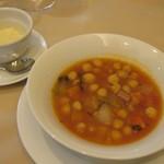 シェ アキ - ひよこ豆のプロバンス風スープ