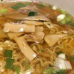 Japanese Soba Noodles 蔦 - 臭みが全くない秀逸なメンマ(セブンイレブンのカップ麺)