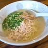 千熊ラーメン - 料理写真:「塩ラーメン」(630円)。ランチタイムは600円とお安くなってしかもセルフのご飯付き♪