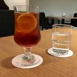 スカイバンケット&バー カプリコン - ドリンク写真:レモンティーとても美味しい♪
