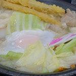 資さんうどん 新宮店 - 今回は、新メニューのもつ鍋うどんを頂きました。 福岡ケンミンが大好きなうどんとモツ鍋を組み合わせた夢のような企画です(笑)。