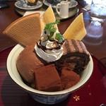 自家焙煎珈琲 十三軒茶屋 - チョコレートパフェ  680円