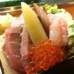 寿司処 博 - 特盛りちらし2000円