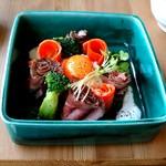 61193350 - お肉と野菜のマリアージュ花咲くローストビーフボックス
