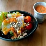 61193356 - サラダバー・野菜スープ付き