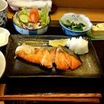 たけ美 - 『北海甘塩さけ焼き』¥1200-
