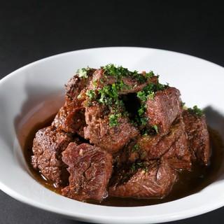 肉の旨さを最大限に生かす特別な調理法。