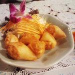 タイカントリー - ヘー・クン。海老と豚挽肉の揚げ春巻