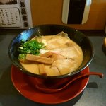 61206009 - 鶏そば(大)850円