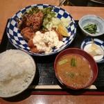 森川 - 揚げ鶏定食 1,000円