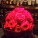 ルージュ・バー・ジョエル・ロブション - 鮮やかなルージュな薔薇