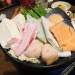 坐・和民 - 塩スープのちゃんこ鍋