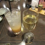 四十八漁場 - シャルドネと完熟桃酒で