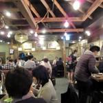 四十八漁場 - 店内、心地よい雰囲気