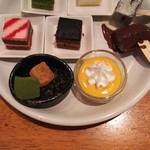ジ オーブン アメリカン ブュッフェ - ケーキ、わらびもち、チョコレートファウンテン