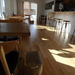 木かげのカフェ - 店内