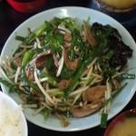 キッチンあべ - ニラレバ炒め