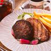 岩手県産牛と白金豚のハンバーグ赤ワインソース×イベリコ豚ハーブロースト エシャロットバルサミコソース