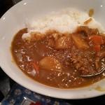 えどや食堂 - カレーレイス定食(サラダ・味噌汁付き)820円