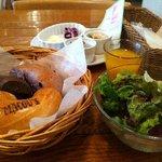 ウイークエンドブランチ - 2010.12 パンなどの全景