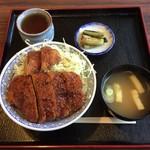 みはる食堂 - 料理写真:かつ丼(ソース)¥830【フタ御開帳】