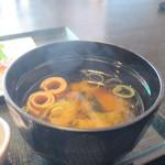湘海亭 - 麩、わかめ、ねぎのみそ汁アップ