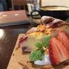 ショコラ - 料理写真:イチゴのベイクドチーズケーキとカフェラテ